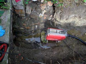 Alapvezeték duguláslehárítása. Családiház alapvezeték duguláslehárítása Budapesten (duguláselhárítás, mosdó, wc, kád, mosogató, lefolyótisztítás)