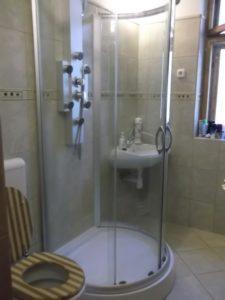 Zuhanytálca, zuhanykabin szerelés, fürdőkád szerelés, kád beépítés
